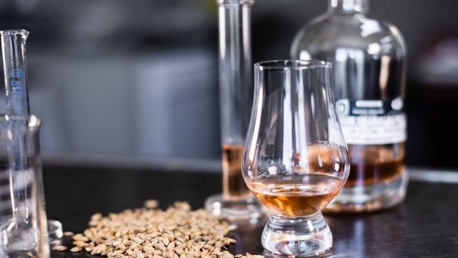 Whisky, papas, hongos e irlandeses - La Receta Dispersa - Quién te Dice | DelSol 99.5 FM