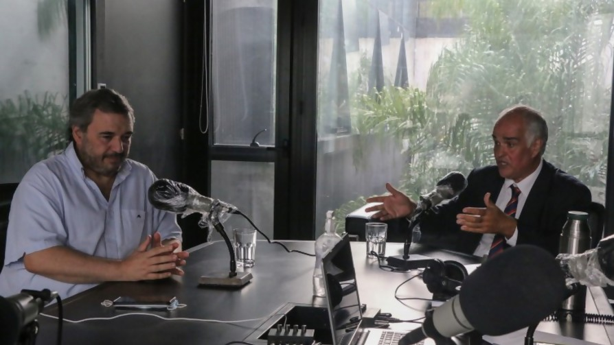 Debate: un año de Lacalle Pou presidente y FA en la oposición - Entrevista central - Facil Desviarse | DelSol 99.5 FM