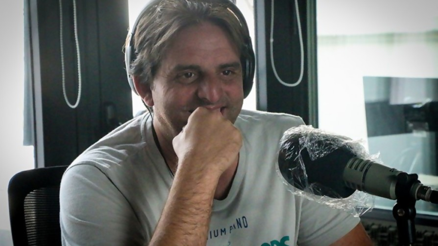 Jorge pensaba que iba de paseo a Nueva Halvecia, en lugar de Nueva Helvecia - La Charla - La Mesa de los Galanes   DelSol 99.5 FM