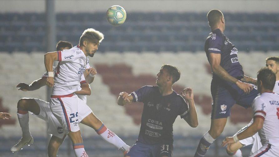Darwin indignado con la prohibición de cabezazos en el fútbol - Darwin - Columna Deportiva - No Toquen Nada | DelSol 99.5 FM