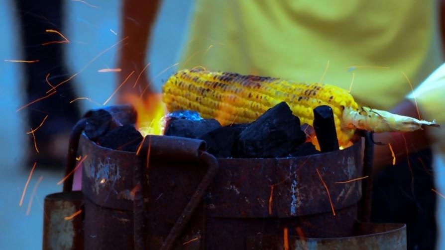 Top tres de comidas para la playa bajo la sombrilla - Sobremesa - La Mesa de los Galanes | DelSol 99.5 FM
