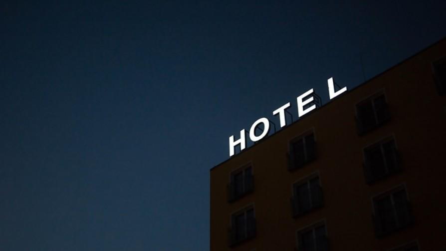 Hoteles salvajes - Relatos Salvajes - La Mesa de los Galanes | DelSol 99.5 FM