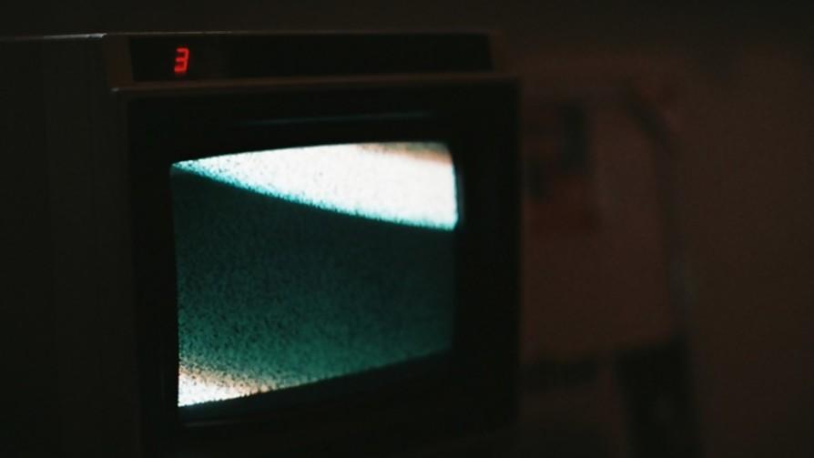La tele - Manifiesto y Charla - Pueblo Fantasma   DelSol 99.5 FM