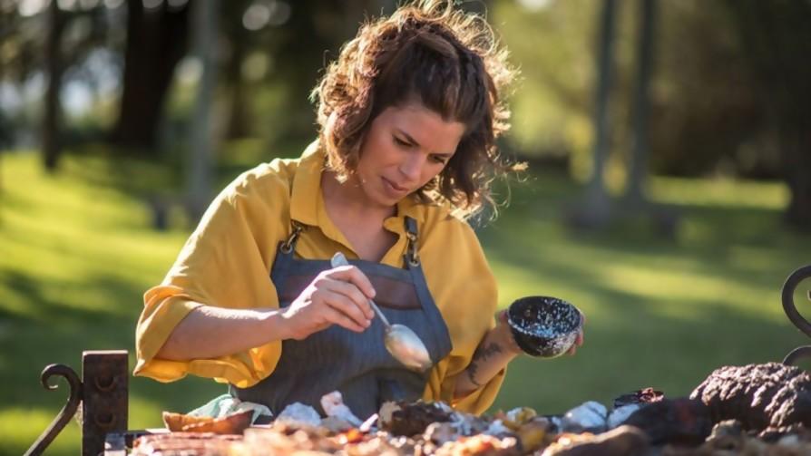 ¿Cuáles son las series de cocina preferidas de Lucía Soria? - De pinche a cocinero - Facil Desviarse | DelSol 99.5 FM