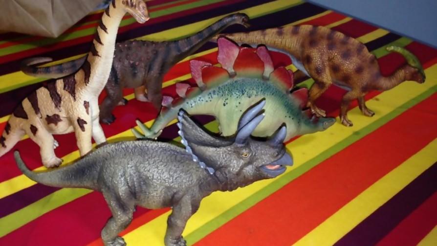 ¡Los Dinosaurios!  - Manifiesto y Charla - Pueblo Fantasma | DelSol 99.5 FM