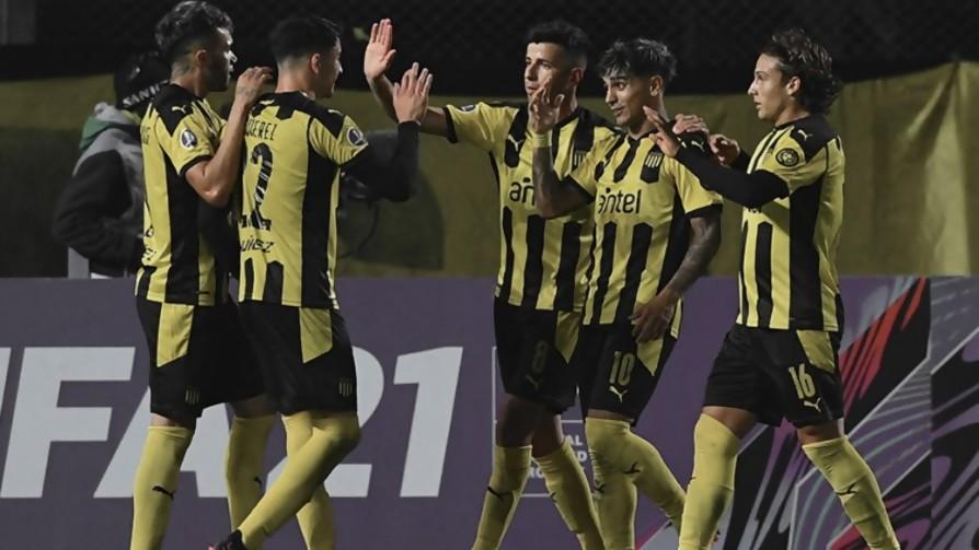 Peñarol, líder de su grupo de Sudamericana  - A la cancha - 13a0 | DelSol 99.5 FM