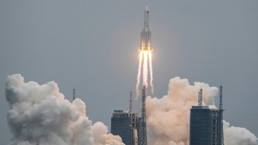 Eventos raros: un cohete en caída libre (de libertad china), un sismo en Florida y madres sin burbujas - Columna de Darwin - No Toquen Nada | DelSol 99.5 FM