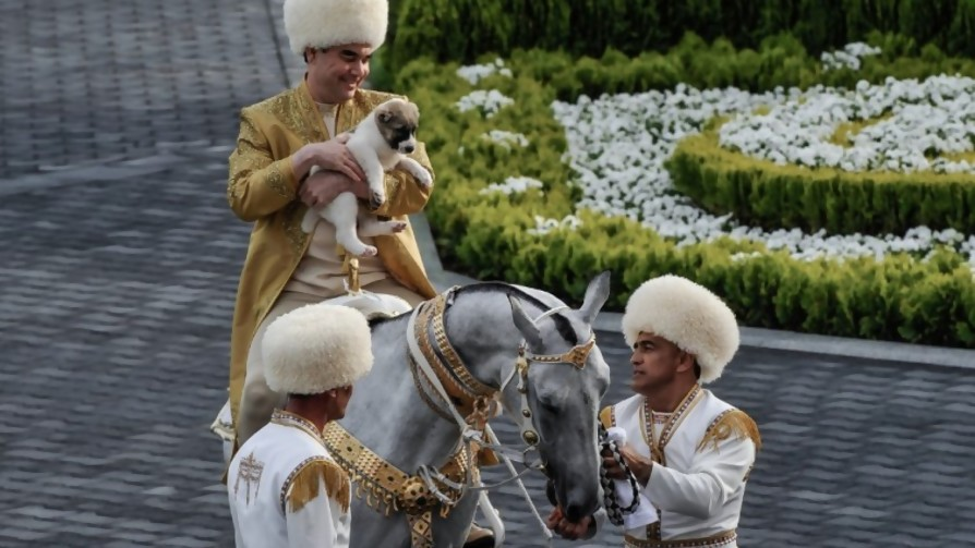 Escrito sorpresa sobre Turkmenistán - Jodidos de columna - La Mesa de los Galanes | DelSol 99.5 FM