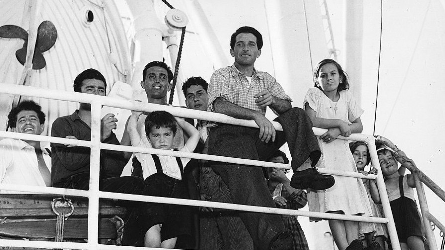 """Capítulo 8: Uruguay como """"una piccola Italia"""" - Inmigrantes de papel - Abran Cancha   DelSol 99.5 FM"""