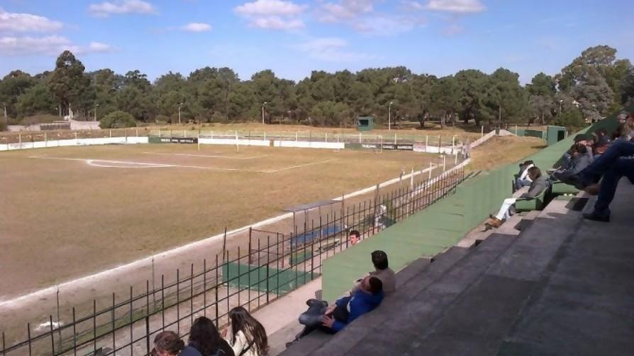 Tienen que tirar un estadio de fútbol de Montevideo, ¿cuál eligen? - Sobremesa - La Mesa de los Galanes   DelSol 99.5 FM
