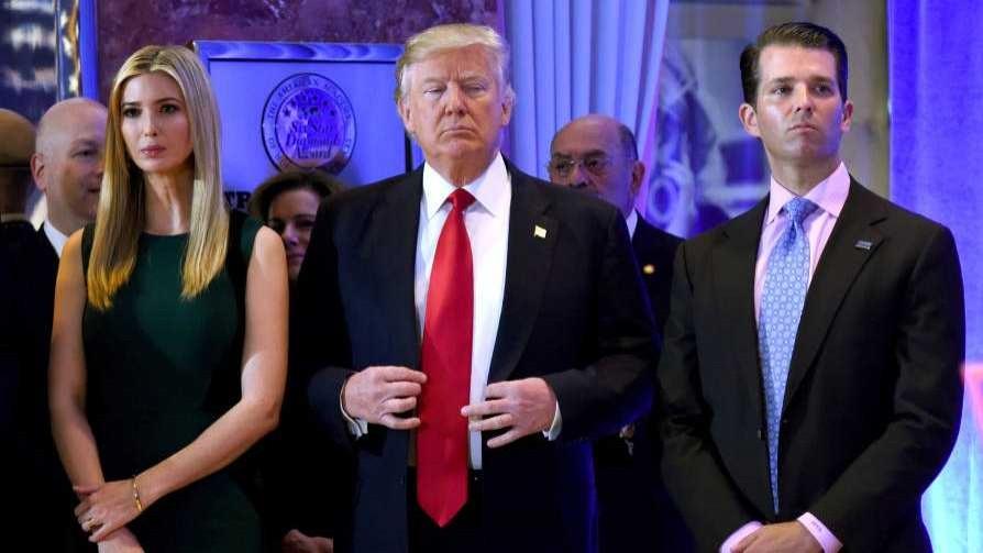Según Darwin, los que rodean a Trump tienen caras de salidos de un psiquiátrico - Columna de Darwin - No Toquen Nada | DelSol 99.5 FM