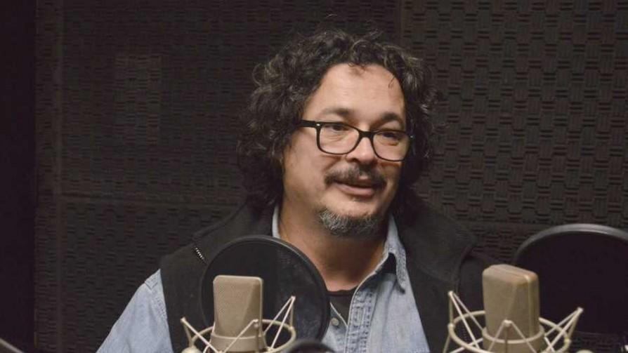 "Guillermo Casanova presentó ""Otra historia del mundo""  - Audios - Cambio & Fuera | DelSol 99.5 FM"