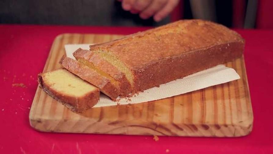 En la cocina de Martín Schwedt: budín de limón y tomillo - Gourmet - Videos | DelSol 99.5 FM
