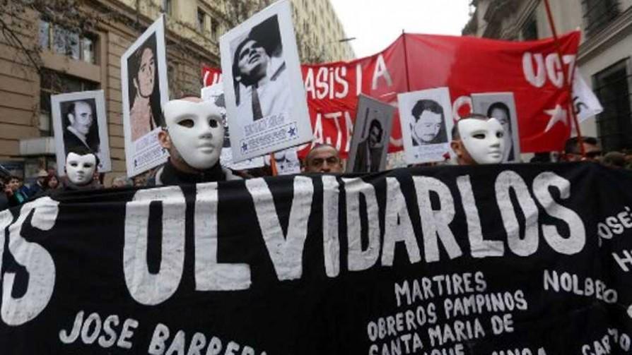 Jorge Piñeyrúa tiró la Puñalada y recordó acontecimientos de la fecha - La puñalada - La Mesa de los Galanes | DelSol 99.5 FM