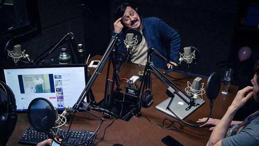 La comedia y el poder, y el poder de la comedia - El especialista - Cambio & Fuera | DelSol 99.5 FM