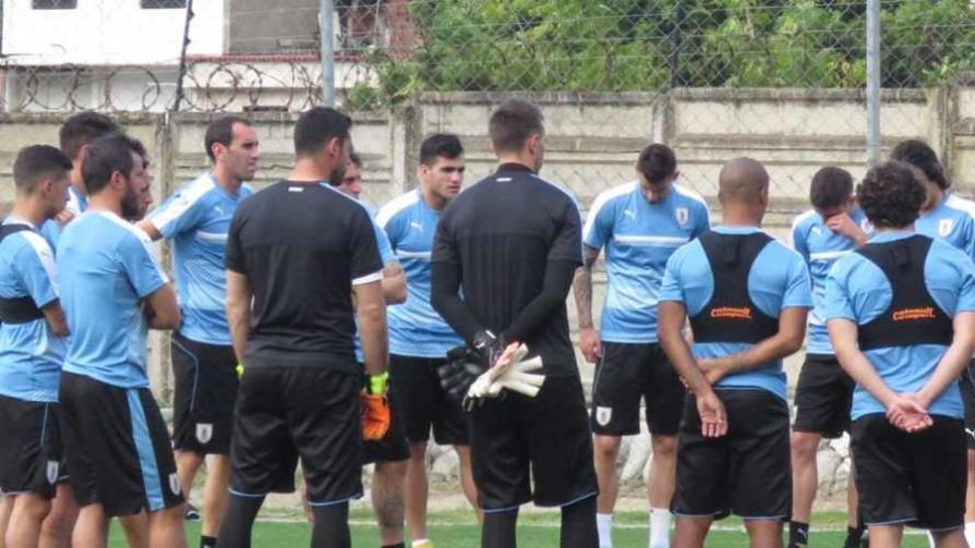 Uruguay viajó a Venezuela en busca de la clasificación - Informes - 13a0 | DelSol 99.5 FM