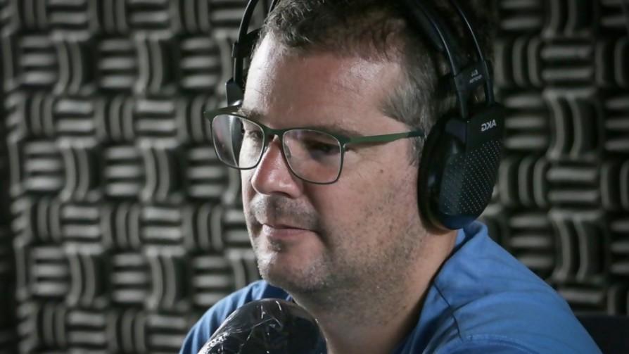 Pablo Fabregat elabora una alucinante lista de los artistas uruguayos más escuchados de Spotify - Jodidos de columna - La Mesa de los Galanes | DelSol 99.5 FM