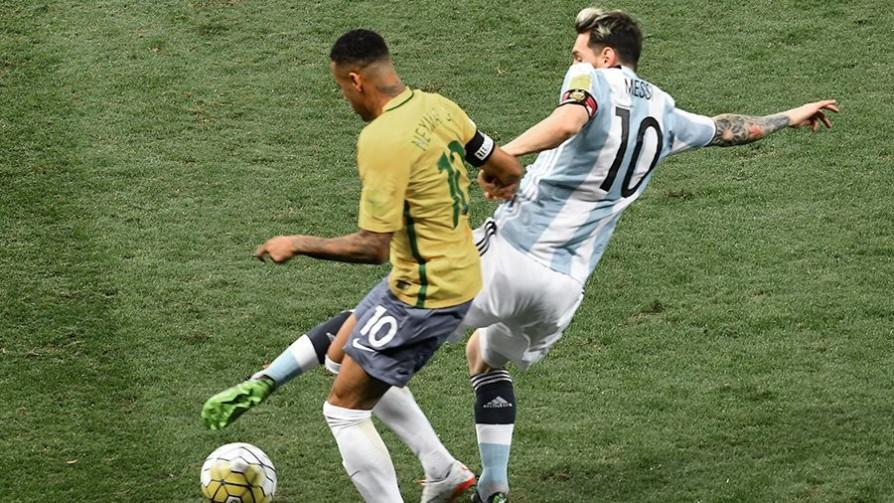 Uno de los vecinos - Copa América 2021  - 13a0   DelSol 99.5 FM
