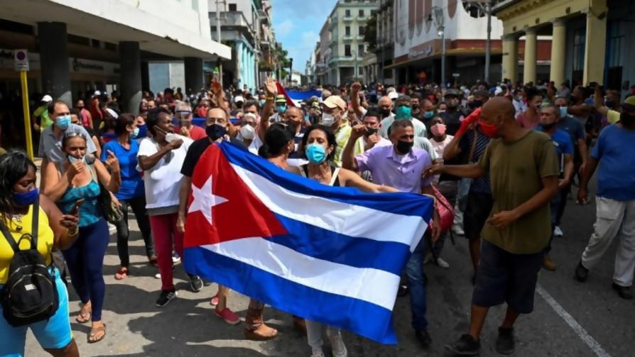 """Darwin buscó formas de procrastinar el """"Cuba sí, Cuba no"""" pero no lo logró - Columna de Darwin - No Toquen Nada   DelSol 99.5 FM"""