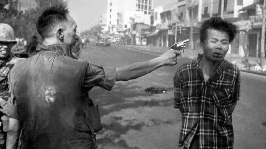 La foto de la ejecución en Vietnam: la historia del que disparó y la culpa del fotógrafo - Leo Barizzoni - No Toquen Nada   DelSol 99.5 FM