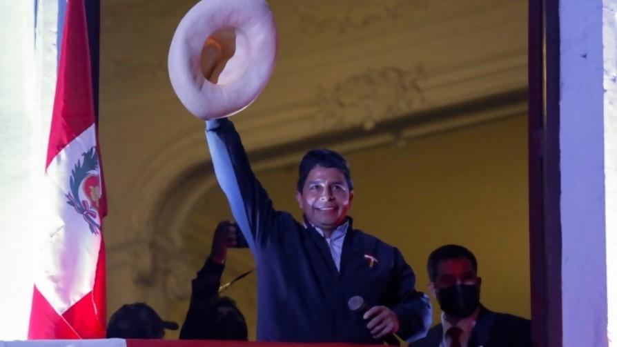 Perú tiene presidente, y viene a caballo. Darwin dice que cada presidente tiene un vehículo, como los PawPatrol - Columna de Darwin - No Toquen Nada | DelSol 99.5 FM