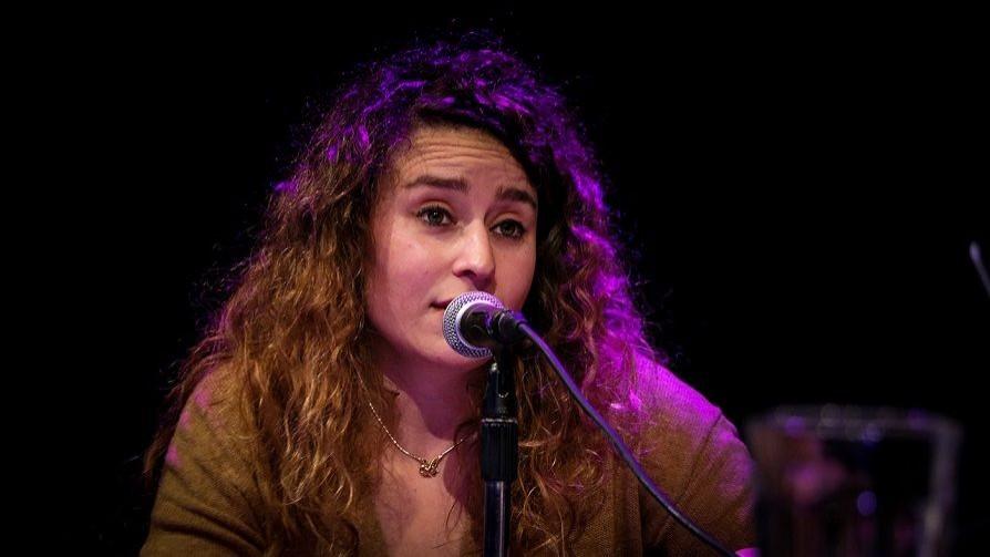 Flor Núñez, todas las quiere cantar - Hoy nos dice - Quién te Dice   DelSol 99.5 FM