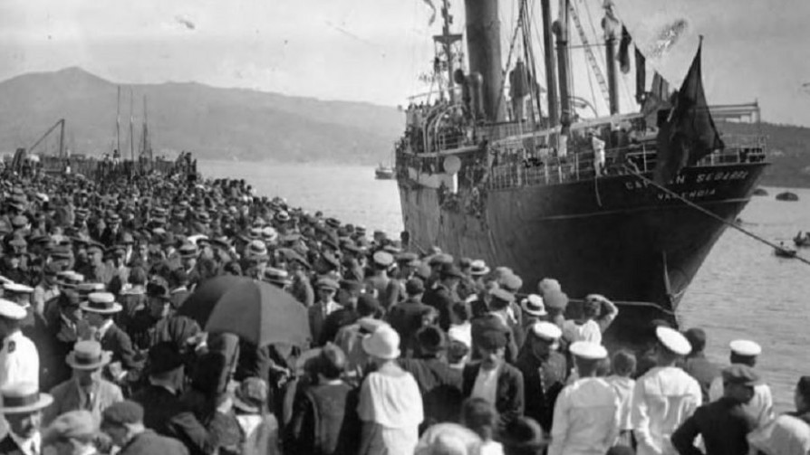 Capítulo 11: Gallegos orientales - Inmigrantes de papel - Abran Cancha   DelSol 99.5 FM