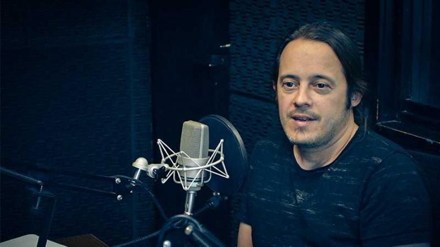 Nico Ibarburu y la salida de la comodidad de estar solo con la guitarra - Audios - Quién te Dice | DelSol 99.5 FM