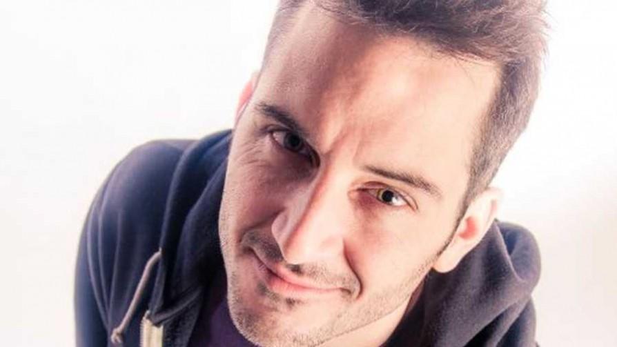 Federico Simonetti presenta su show stand up en Montevideo  - Audios - Cambio & Fuera | DelSol 99.5 FM