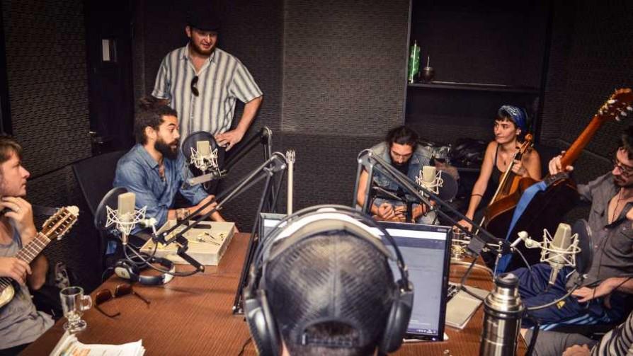 Negra Candela, una banda uruguaya sin músicos uruguayos - Audios - Cambio & Fuera | DelSol 99.5 FM