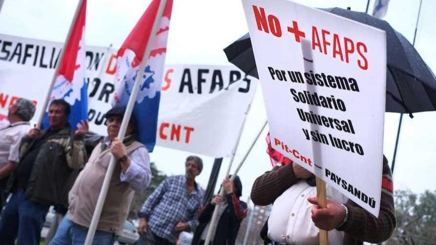 Presidente de Asociación de AFAPs preguntó si se va hacia un sistema nacionalizado - Entrevistas - No Toquen Nada | DelSol 99.5 FM