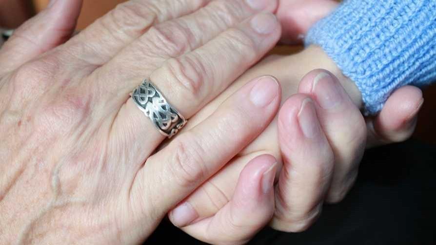 Darwin habló con la bisabuela que se divorció de su hijo - Columna de Darwin - No Toquen Nada | DelSol 99.5 FM