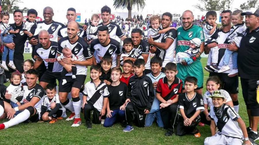 Danubio 2 - 1 Defensor Sporting - Replay - 13a0 | DelSol 99.5 FM