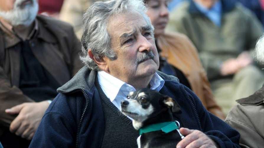 Cómo sería el funeral de Mujica si se muere como presidente, según Darwin - Columna de Darwin - No Toquen Nada | DelSol 99.5 FM