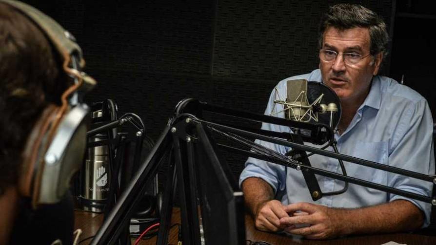 Zona Lúdica: Pedro Bordaberry y el sobretodo mágico - Zona ludica - Facil Desviarse | DelSol 99.5 FM