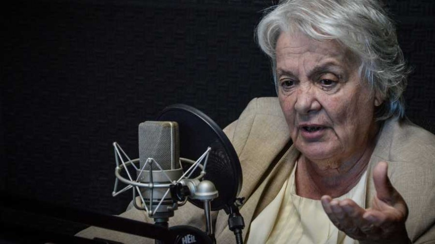 Topolansky todavía no tomó postura sobre Venezuela - Entrevista central - Facil Desviarse | DelSol 99.5 FM