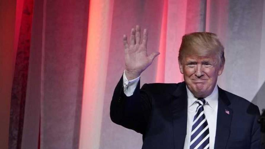 Los decretos y vericuetos de Trump para gobernar sin apoyo del congreso - Colaboradores del Exterior - No Toquen Nada | DelSol 99.5 FM