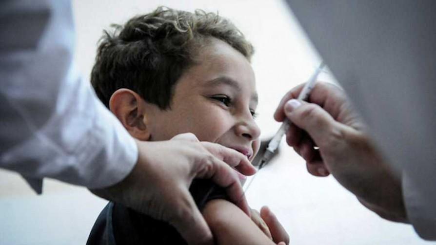 """""""Estamos esperando que haya vacunas seguras y eficaces para menores de 12 años"""" - Entrevistas - Doble Click   DelSol 99.5 FM"""