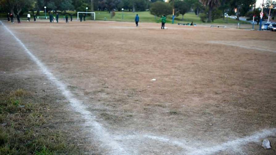 Tema libre: El grito de los padres a los niños en el baby fútbol  - Sobremesa - La Mesa de los Galanes | DelSol 99.5 FM