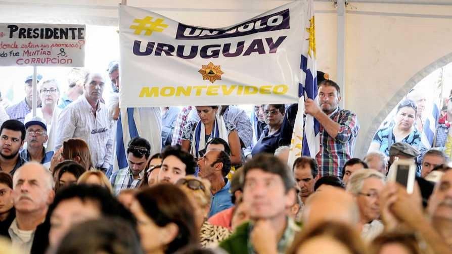 El shopping de las reivindicaciones de Un solo Uruguay - Columna de Darwin - No Toquen Nada | DelSol 99.5 FM