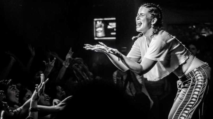 Kristel se debe a su gente - Musica nueva para dos viejos chotos - Facil Desviarse | DelSol 99.5 FM