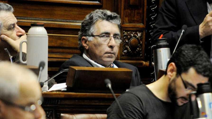 Darío Pérez fue el centro de atención en la discusión sobre jubilaciones militares - Informes - No Toquen Nada | DelSol 99.5 FM