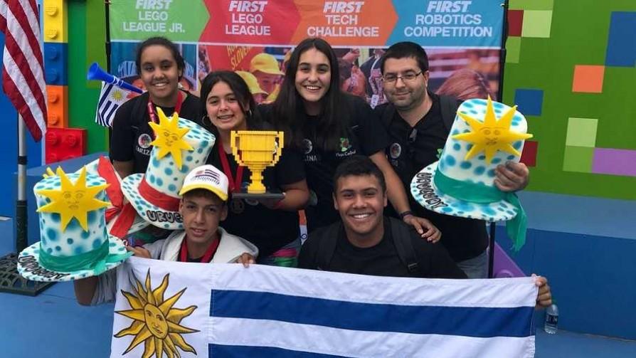 Liceales premiados en EEUU: el proyecto es el camino - Informes - No Toquen Nada | DelSol 99.5 FM