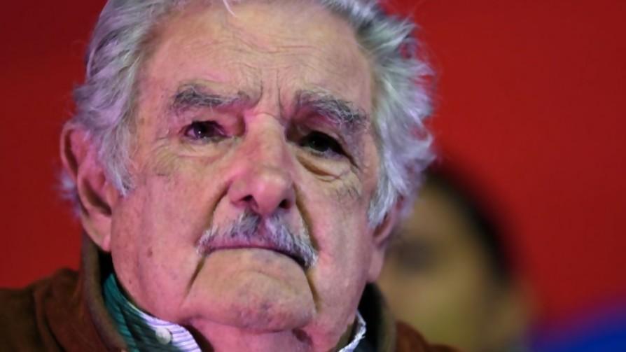 Los nombres de la vuelta ciclista de candidatos de Mujica - Columna de Darwin - No Toquen Nada | DelSol 99.5 FM