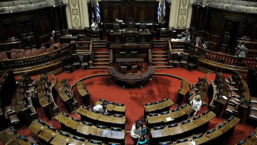 Una lista especial de Uruguay: ¿qué tres políticos bajarías?  - Sobremesa - La Mesa de los Galanes | DelSol 99.5 FM