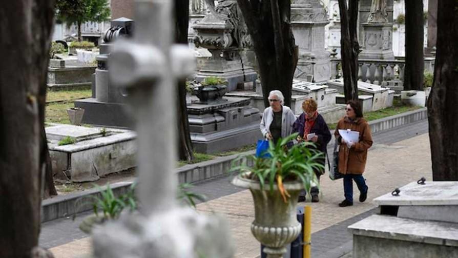 El conflicto entre ADEOM y la IMM por los cementerios - Informes - Facil Desviarse | DelSol 99.5 FM