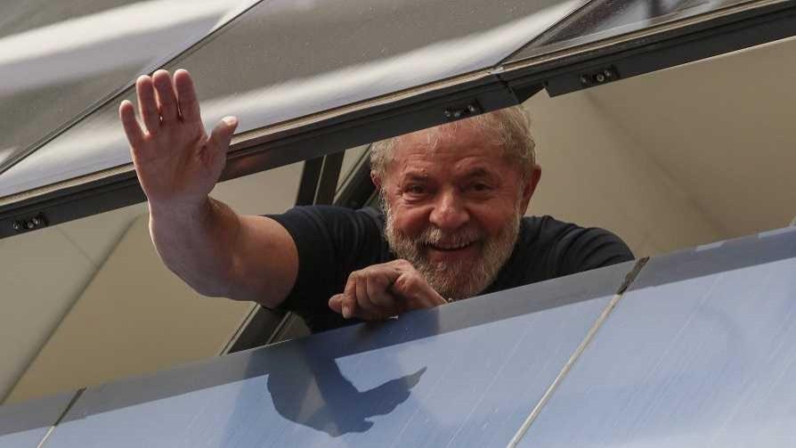El Profe Geyerabide sobre Lula: Las ventajas de un presidente preso - Columna de Darwin - No Toquen Nada | DelSol 99.5 FM