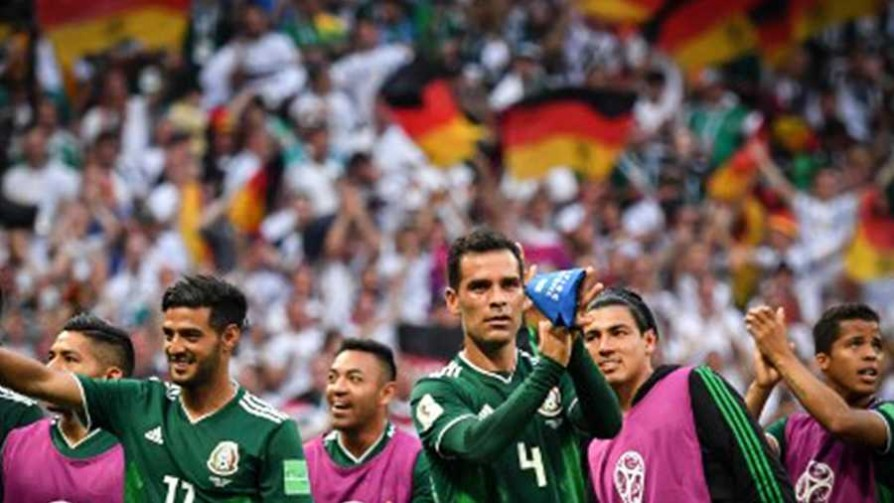 Alienación Mundial con Argentina y México - La mesa rusa - La Mesa de los Galanes | DelSol 99.5 FM