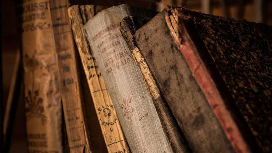 ¿Uruguay clasificaría a un Mundial de Literatura? - El guardian de los libros - Facil Desviarse | DelSol 99.5 FM
