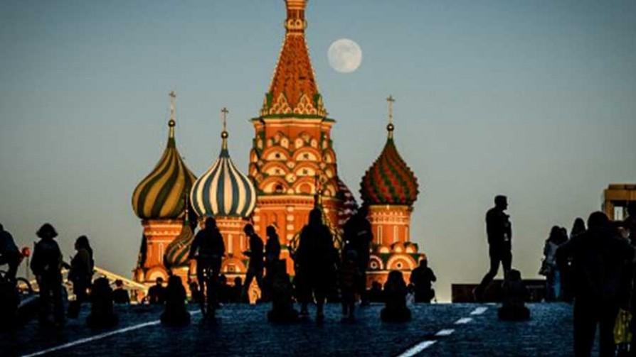 El Tío Aldo en Rusia  - La mesa rusa - La Mesa de los Galanes | DelSol 99.5 FM